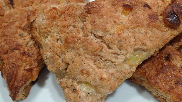 apricot-banana-scone