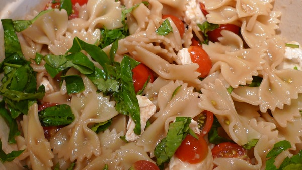 Avocado, Tomato, Mozzarella And Basil Pasta Salad With Pine Nuts ...