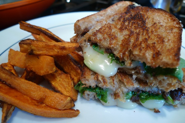 Brie and fig grilled cheese