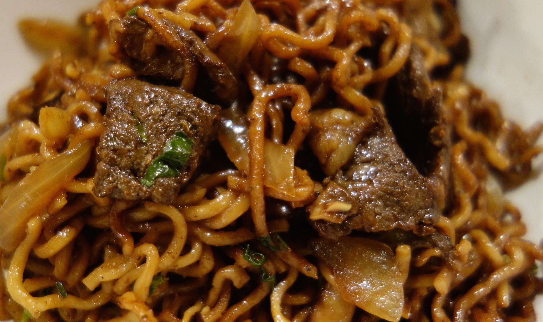 Stir-Fry-Noodles-with-Steak-and-Mushrooms